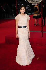 Keira looked breathtaking in her luscious petal pink gown at the 'Anna Karenina' premiere in London.
