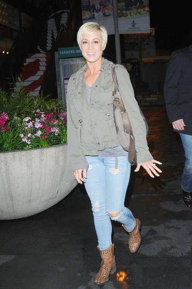 Kellie Pickler Ripped Jeans