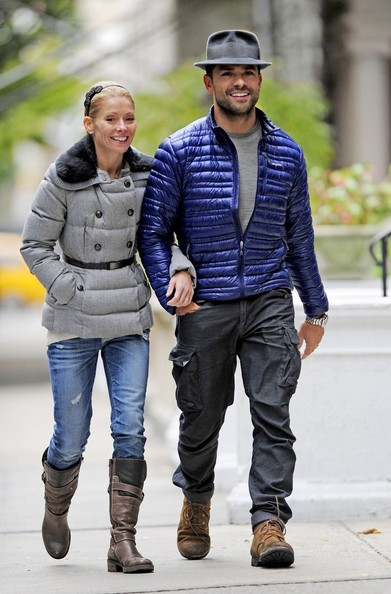 More Pics of Kelly Ripa Mid-Calf Boots (1 of 12) - Kelly Ripa Lookbook - StyleBistro