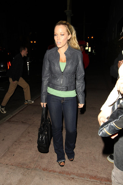 Kendra Wilkinson hit the town carrying a casual black tote.