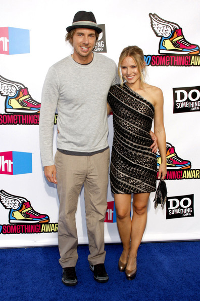 Dax Shepard was casual in khakis, a crewneck sweater, and sneakers at the Do Something Awards.