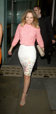 Kimberley Walsh cleverly paired a pink cable-knit sweater with a floral pencil skirt for a super cute finish.
