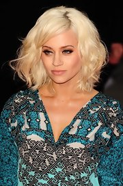 Kimberley Wyatt gave her hair a slightly crimped wave for her appearance at Katy Perry's premiere in London.