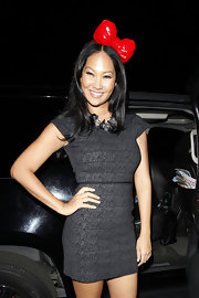 Kimora rocks a bright red bow head band in her hair for the Sanrio 50th Anniversary party. Gotta love this playful style!