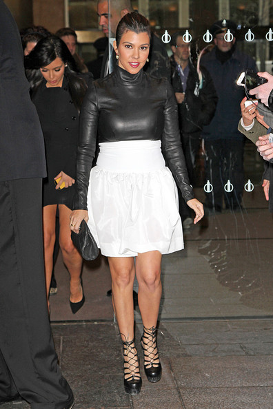 http://www4.pictures.stylebistro.com/pc/Kourtney+Kardashian+wearing+high+wasted+white+SUESKtk9cZnl.jpg