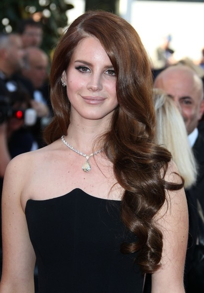 Lana Del Rey Long Curls