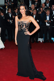 Megan Gale was equal parts sexy and elegant at the 'Jimmy P.' premiere in a strapless corset dress with a lacy bodice.