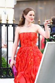 Leighton paired her strapless ruffled dress with a diamond collar necklace.