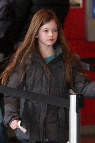 More Pics of Mackenzie Foy Canvas Sneakers (1 of 8) - Canvas Sneakers Lookbook - StyleBistro