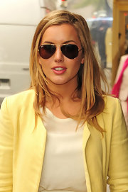 Caggie Dunlop was spotted in London wearing a pair of aviator sunglasses.