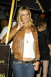 Lady Victoria looks style savvy yet casual in this light brown leather jacket.