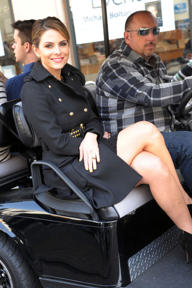 More Pics of Maria Menounos Leather Pants (5 of 9) - Maria Menounos Lookbook - StyleBistro