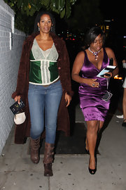 Kim Wayans wore a pair of skinny jeans while out at Chateau Marmont.
