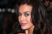 Megan Gale Long Wavy Cut