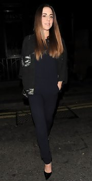 Mel C completed her clubbing ensemble with classic black pointy pumps.