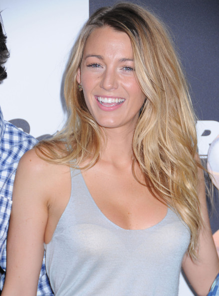 More Pics of Blake Lively Long Wavy Cut (1 of 13) - Blake Lively Lookbook - StyleBistro
