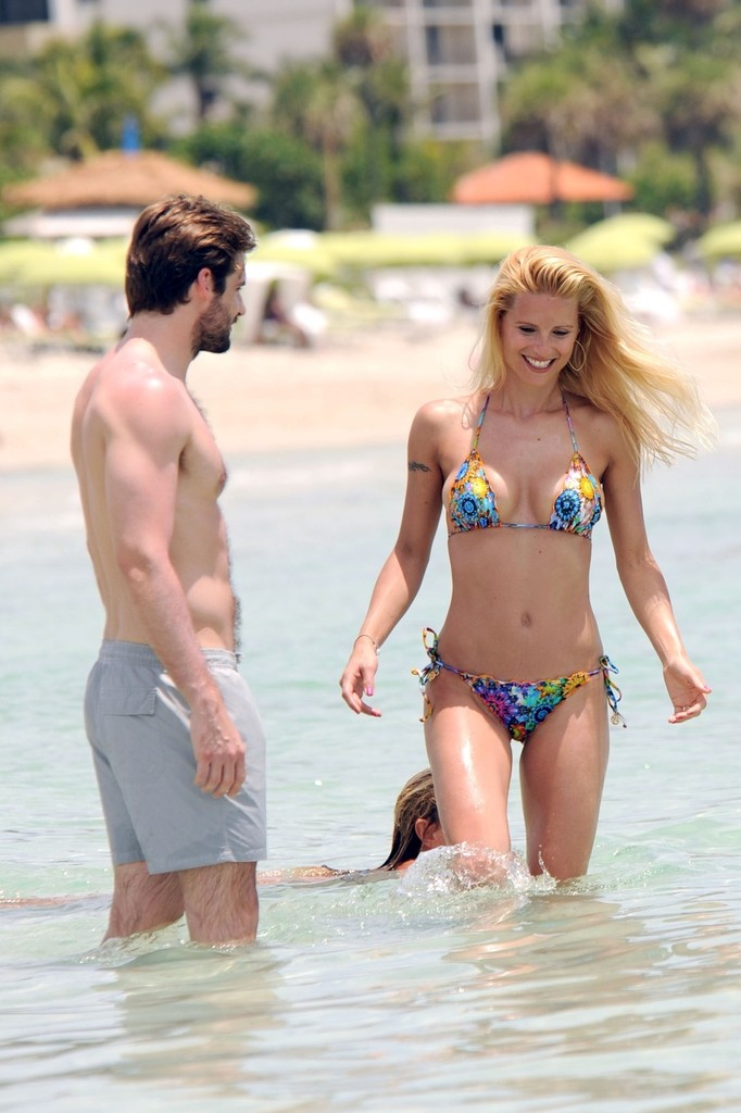 More Pics Of Michelle Hunziker String Bikini 1 Of 16