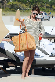 Mischa Barton hit the beach with an oversize map print tote in tow.