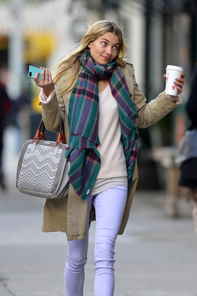 More Pics of Jessica Hart Patterned Scarf (1 of 10) - Jessica Hart Lookbook - StyleBistro