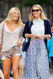 Ashley Hart flaunted her legs as she wore animal print shorts while strolling with her sister around NYC.