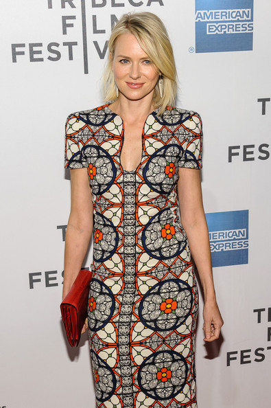 More Pics of Naomi Watts Medium Layered Cut (2 of 7) - Naomi Watts Lookbook - StyleBistro