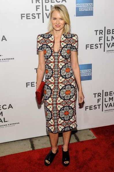More Pics of Naomi Watts Print Dress (3 of 7) - Naomi Watts Lookbook - StyleBistro