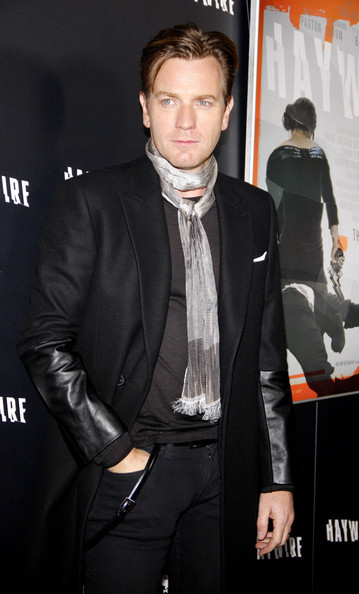 Ewan McGregor accessorized with a skinny gray scarf for the 'Haywire' premiere in LA.