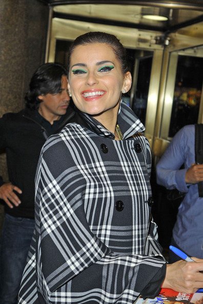 More Pics of Nelly Furtado Cat Eyes (1 of 24) - Cat Eyes Lookbook - StyleBistro