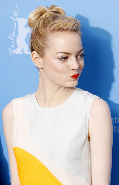 More Pics of Emma Stone Cocktail Dress (3 of 7) - Emma Stone Lookbook - StyleBistro