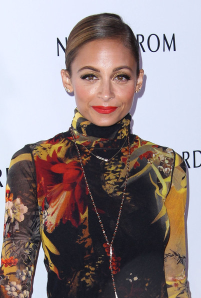 More Pics of Nicole Richie Print Dress (1 of 89) - Nicole Richie Lookbook - StyleBistro