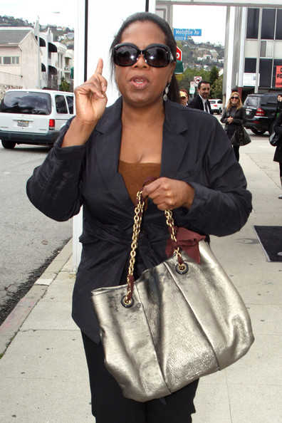 More Pics of Oprah Winfrey Metallic Tote (1 of 10) - Oprah Winfrey Lookbook - StyleBistro