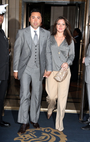 Oscar De La Hoya looked totally put together in an elegant gray three-piece suit.