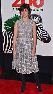 Parker Posey wore a gray lace dress with opaque tights for the 'We Bought a Zoo' premiere.