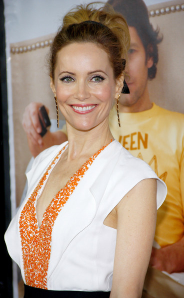 More Pics of Leslie Mann Loose Bun (1 of 7) - Leslie Mann Lookbook - StyleBistro