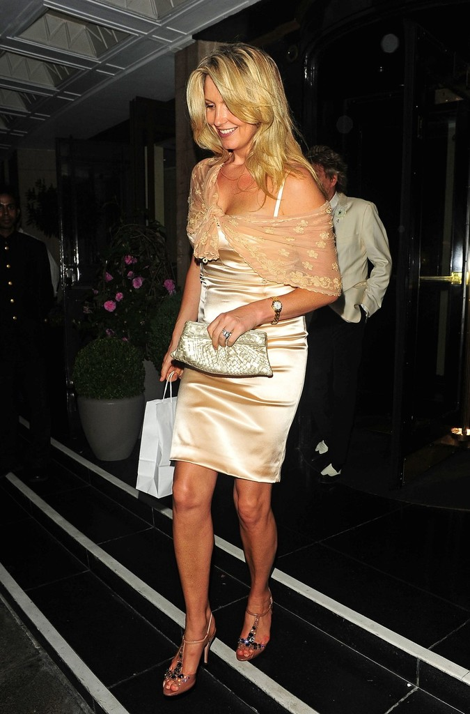 Penny Lancaster Metallic Clutch Penny Lancaster Looks