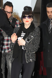 CRJ's chunky knit scarf struck the perfect balance between cozy and cool.
