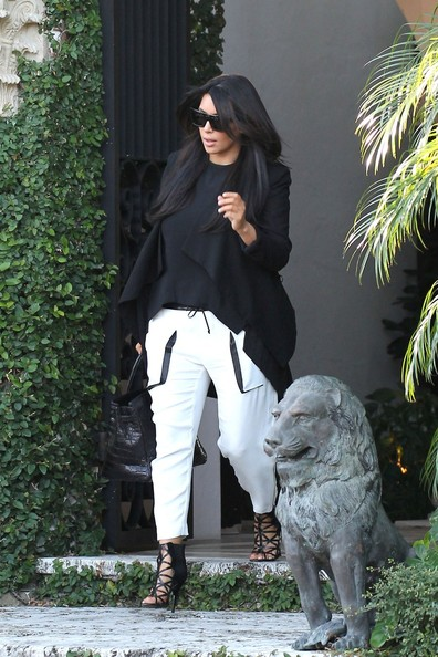 More Pics of Kim Kardashian Leather Tote (3 of 11) - Kim Kardashian Lookbook - StyleBistro
