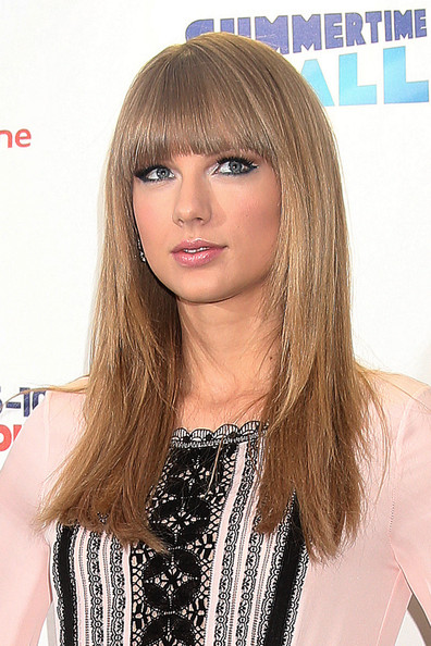 More Pics of Taylor Swift Long Straight Cut with Bangs (2 of 5) - Long Straight Cut with Bangs Lookbook - StyleBistro
