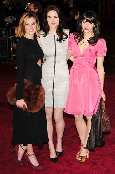 Laura Carmichael carried an oversized fur clutch at the 'Narnia' premiere.
