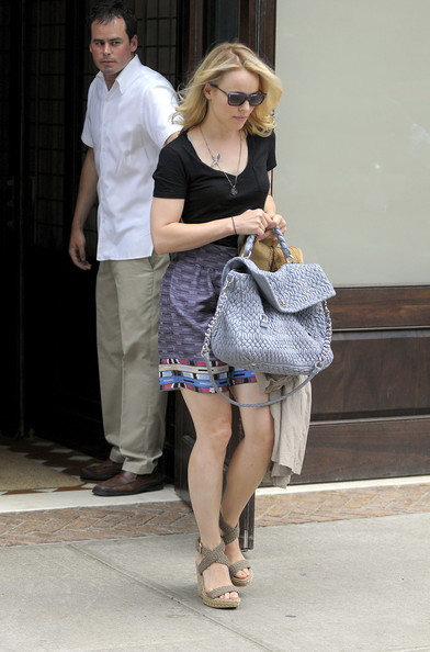 More Pics of Rachel McAdams Quilted Leather Bag (1 of 7) - Rachel McAdams Lookbook - StyleBistro