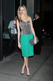 Lauren Santo Domingo topped off her look with pumps complete with ankle straps.