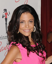 Bethenney Frankel swept on a soft warm pink shadow for subtle definition at the launch of Skinnygirl Sangria.