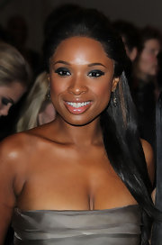Jennifer Hudson wore 19th Century diamond pendant earrings in silver on gold to the 2011 Met Gala.