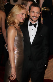 Claire Danes wore an 18-karat rose gold dome ring to complement her metallic gold dress at the 2011 Met Gala.