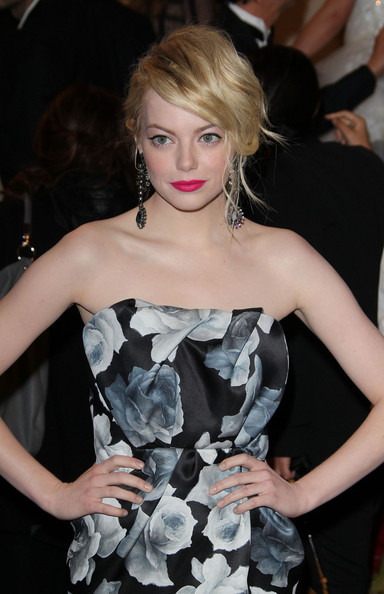More Pics of Emma Stone Dangling Gemstone Earrings (1 of 4) - Emma Stone Lookbook - StyleBistro