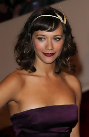 Rashida Jones topped off her darling look with a diamond headband with a 1940's diamond wing brooch.