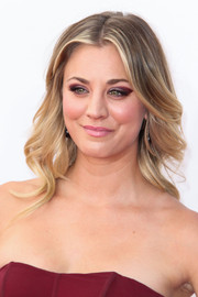 Kaley balanced her formal gown with simple, soft curls.