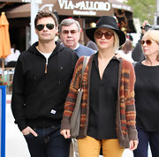 Julianne Hough looked totally boho chic in this orange and brown print cardigan.