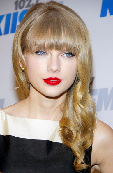 More Pics of Taylor Swift Long Curls with Bangs (1 of 6) - Taylor Swift Lookbook - StyleBistro