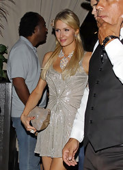 As if her outfit wasn't already sparkly enough, Paris Hilton paired this super glitzy statement necklace with her sequin-embellished dress and bag.